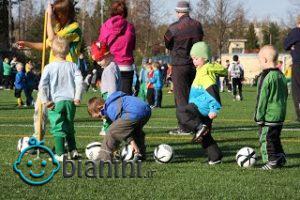 توصیه به مادران، از فوتبال کمک بگیرید!