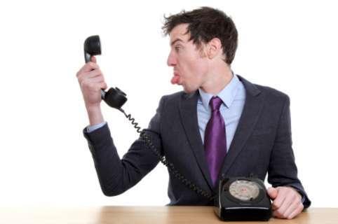چگونه پشت تلفن صحبت کنیم؟